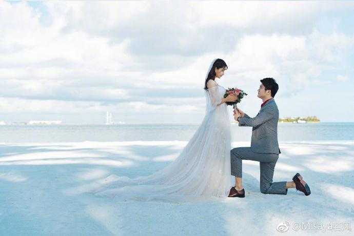 若风公布婚纱照:于10月5日举行婚礼